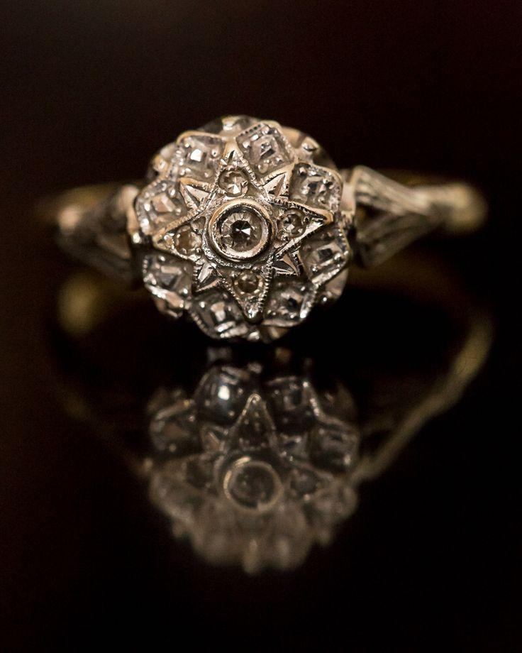 Mijn schitterende, 13 diamanten, verlovingsring. Verloofd op 01/01/2014 foto van Scot Baston (mijn verloofde!), www.zooming-feet.com