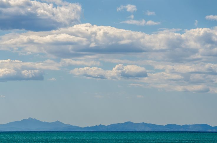 Navigando sul Mar Tirreno verso l'orizzonte #portodellamaremma #tirreno #toscana