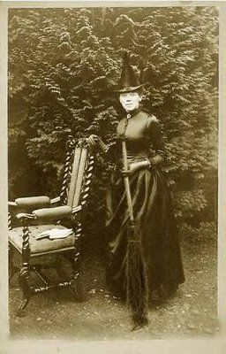 love the chair: Vintage Halloween, Halloween Photo, Halloween Costumes, Halloween Witch, Witch Costumes, Old Photo, Vintage Photo, Vintage Witch, Happy Halloween