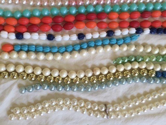 102 Best Vintage Plastic Pop Beads Images su Pinterest-8542