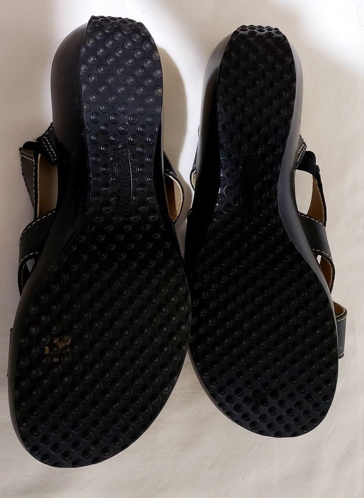 75faf171109dae Eastland Peepers Leather Sandals Women s Size 8 Brown.  fashion  clothing   shoes  accessories  womensshoes  sandals (ebay link)