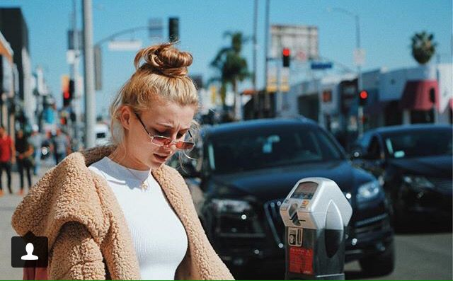 fee6ad8df PoOPy JacKeT #emma #instagram | My Style | Emma chamberlain, Outfits ...