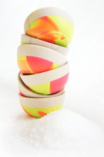 neon stacksWooden Bowls, Bedrooms Interiors Design, Neon, Design Interiors, Bowls Sets, Minis Bowls, Wood Bowls, Modern Kitchens, Wooden Minis