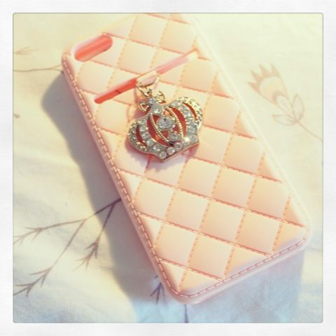 Limited edition iPhone 5 crown case in light pink from online boutique:  www.adornedbylove.com