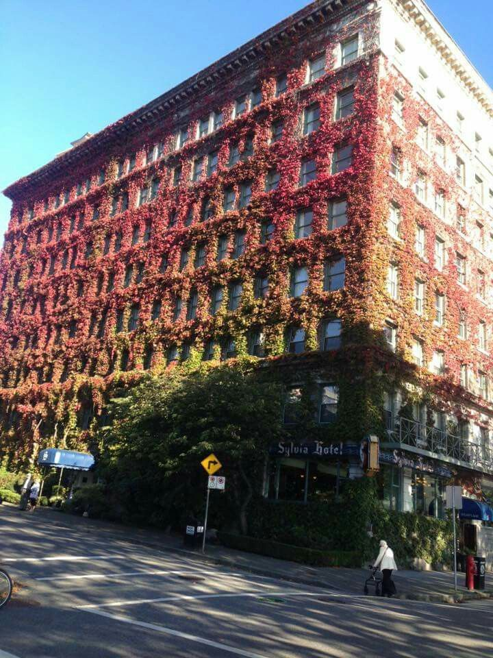 The Sylvia Hotel in English Bay, Vancouver
