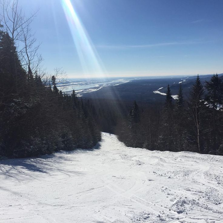 #rayon de #soleil #monsteanne #monsainteanne #ski #quebecski #sommetsstlaurent #montsteanne #msa #snow #sunray #sunrays #macapitale #rayondesoleil #quebecjetaime #quebecoriginal