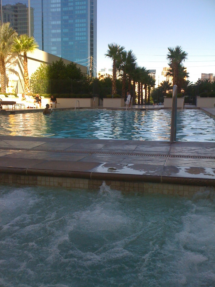 The hotel...MGM Signature Suites. I like dat!