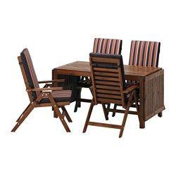 430€ IKEA - ÄPPLARÖ, Mesa+4sill reclin ext, Äpplarö tinte marrón/Ekerön negro, , Las hojas abatibles son fáciles de poner y quitar y te permiten adaptar el tamaño de la mesa a tus necesidades.En el centro del tablero hay un agujero para poner una sombrilla.Ponle un cojín que te guste y, además de personalizarla, te resultará aún más cómoda.Para prolongar la duración y conservar el aspecto natural de la madera, el mueble ha sido tratado con varias capas de barniz para madera semitransparente.