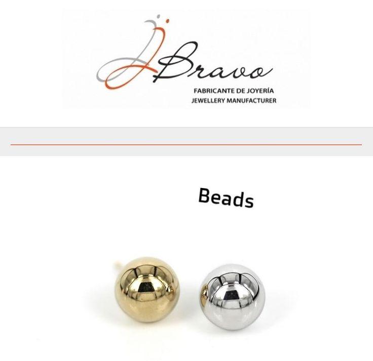 Pendientes de la colección Essential. Essential collection earrings. http://www.jjbravo.com