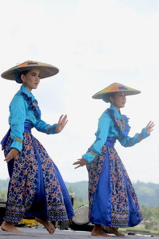 On stage: Tenggarong in Kutai regency, East Kalimantan, played host to Erau Kutai Cultural and International Folk Art Fe...
