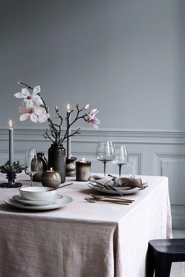 Ett utmärkt sätt att lyfta in våren i hemmet är genom vackra dukningar. Dekorera bordet med fräscha färger, material och växter – oavsett om du vill piffa upp middagsbjudningen eller bara...
