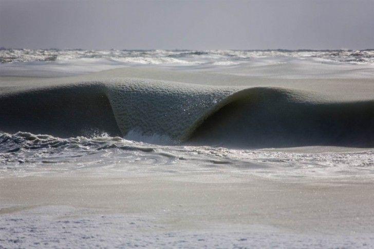 Un fenomeno rarissimo: onde ghiacciate dal freddo nell'inverno 2015, Stati Uniti