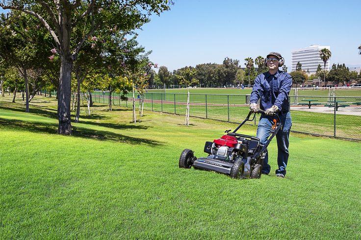 Honda brings new commercial mower, generators to GIE+EXPO