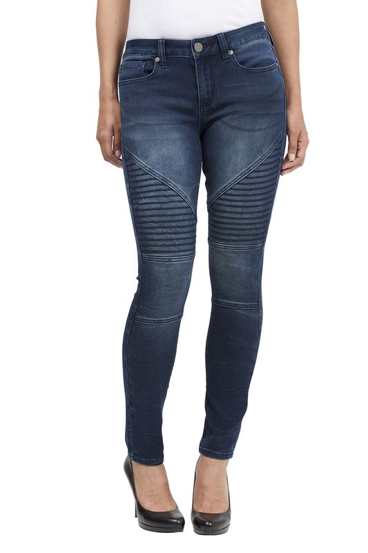 Women at Seven7 Jeans