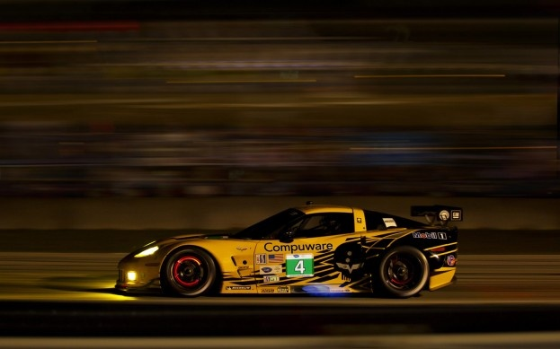 2012 Corvette C6.R w/ glowing brakes
