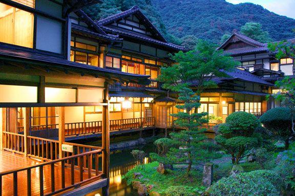 Traditional Japanese inn MUKAITAKI ryokan  Aizuwakamatsu Higashiyama Spa 会津東山温泉…
