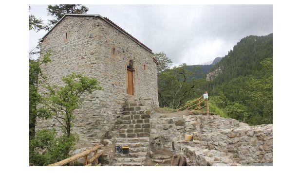 e-Pontos.gr: Η αναστήλωση της Αγίας Βαρβάρας στη Σουμελά του Πό...