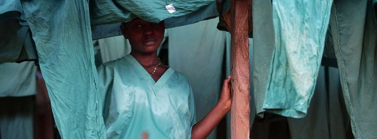 Mitarbeiterin von Ärzte ohne Grenzen in Kailahun, Sierra Leone: Den Ärzten wird oft mit Misstrauen begegnet