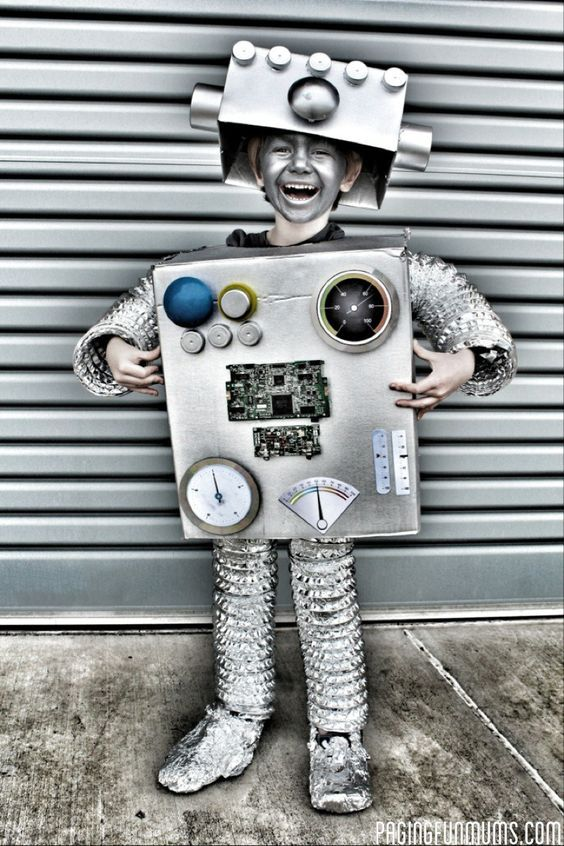 Retro Roboter Kostüm selber machen | Kostüm Idee zu Karneval, Halloween & Fasching