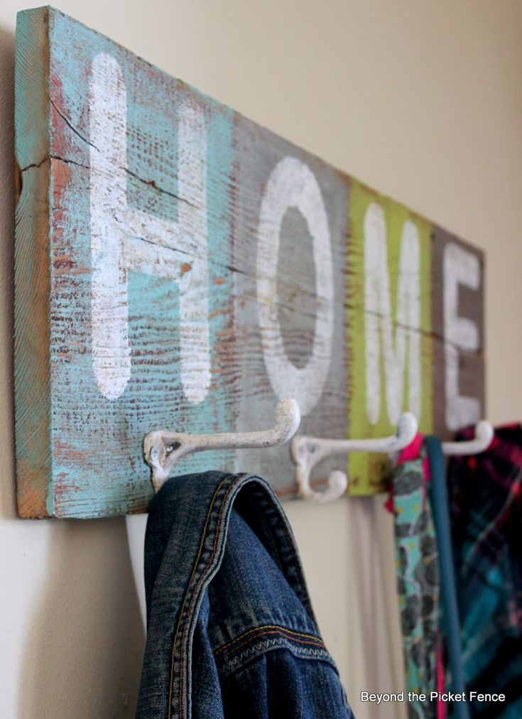 HOME Hooks on Reclaimed Wood and Some Thoughts on Color http://bec4-beyondthepicketfence.blogspot.com/2014/02/home-hooks-and-my-thoughts-on-color.html