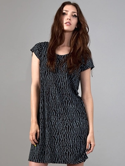 OBESITY AND SPEED / BUTTON BACK DRESS - BLACK BARBWIRE PRINT : ALEX AND CHLOE   ONLINE SHOP - StyleSays