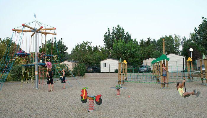 L'aire de jeux ravira les kids au Camping Club Le Littoral à Argelès-sur-Mer http://bougerenfamille.com/camping-argeles-en-famille/