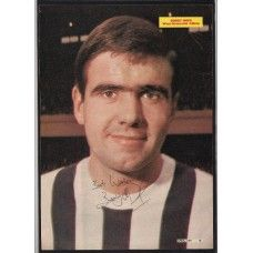 Autograph of Bobby Hope the West Bromwich Albion (WBA) footballer.