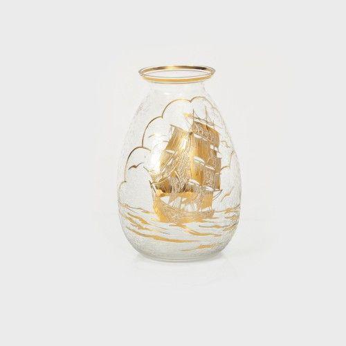 Vas decorat cu peisaj marin și aur coloidal, 1920-1930 Atelier European sticlă suflată în tipar, gravată cu acid, parţial aurită, h=24 cm Valoare estimativă: € 50 - 150