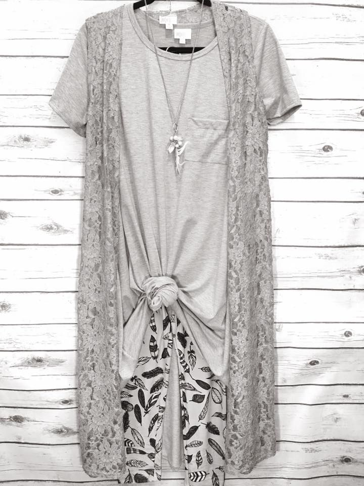 Breathtaking 60 LuLaRoe Outfit Ideas https://fazhion.co/2017/03/27/60-lularoe-outfit-ideas/ Tunics are created with leggings in mind. A blouse and pants by way of example will cause you to look short unless... 1). If your black dress has lots...