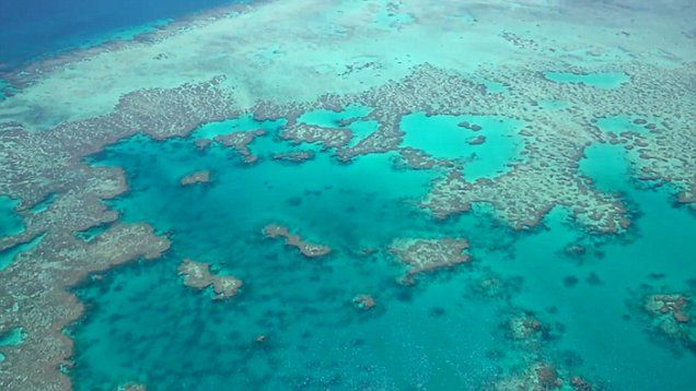 A spectacular view of the submerged archiapelago of the Great Barrier Reef
