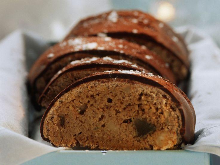 Weihnachtsbrot mit Schokolade glasiert | Zeit: 30 Min. | http://eatsmarter.de/rezepte/weihnachtsbrot-mit-schokolade-glasiert