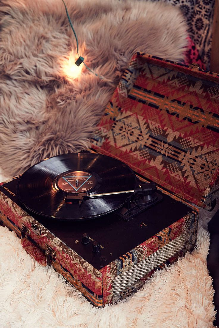 Loren, what do you want for Christmas? THIS PLEASE. PLEASE. Crosley X Pendleton AV Room Vinyl Record Player - Urban Outfitters