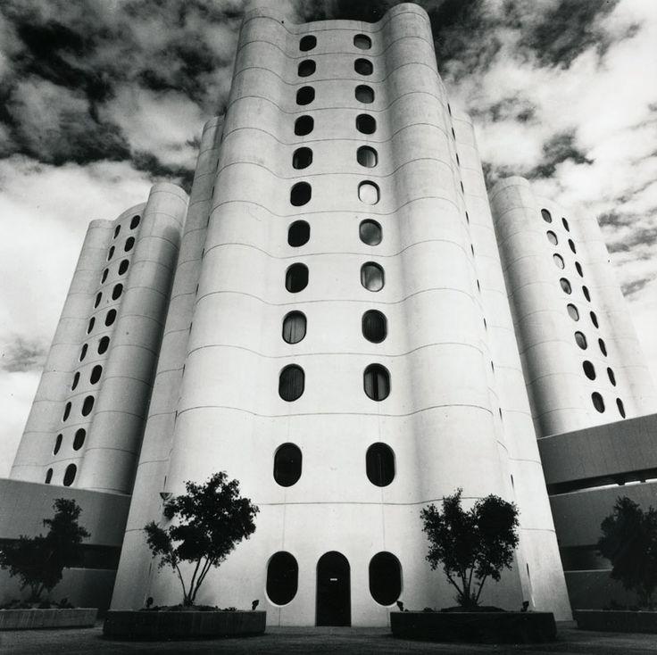 Bertrand Goldberg - Good Samaritan Hospital