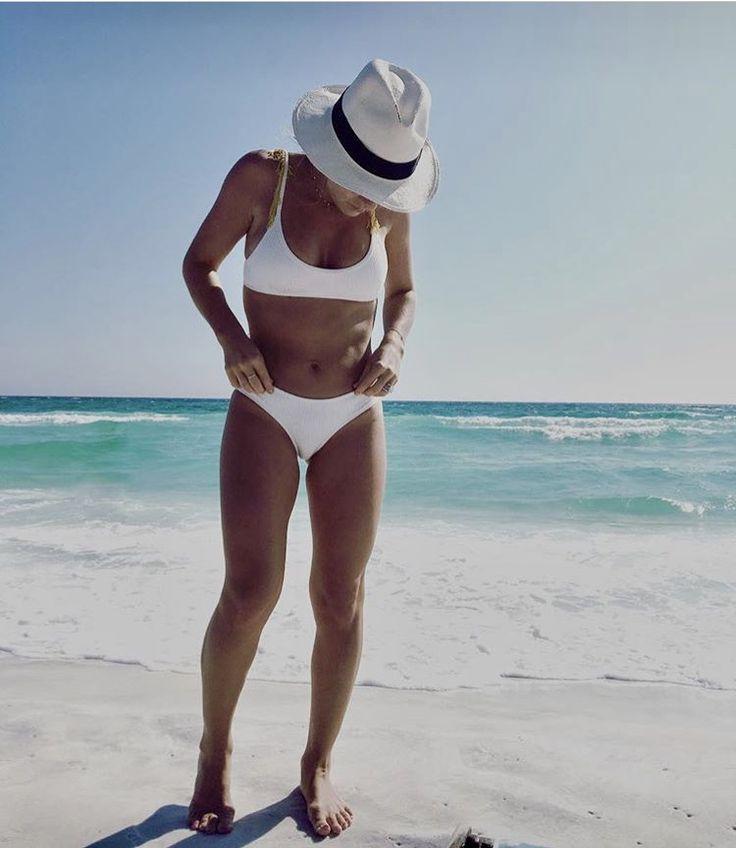 Jessie James Decker beach body