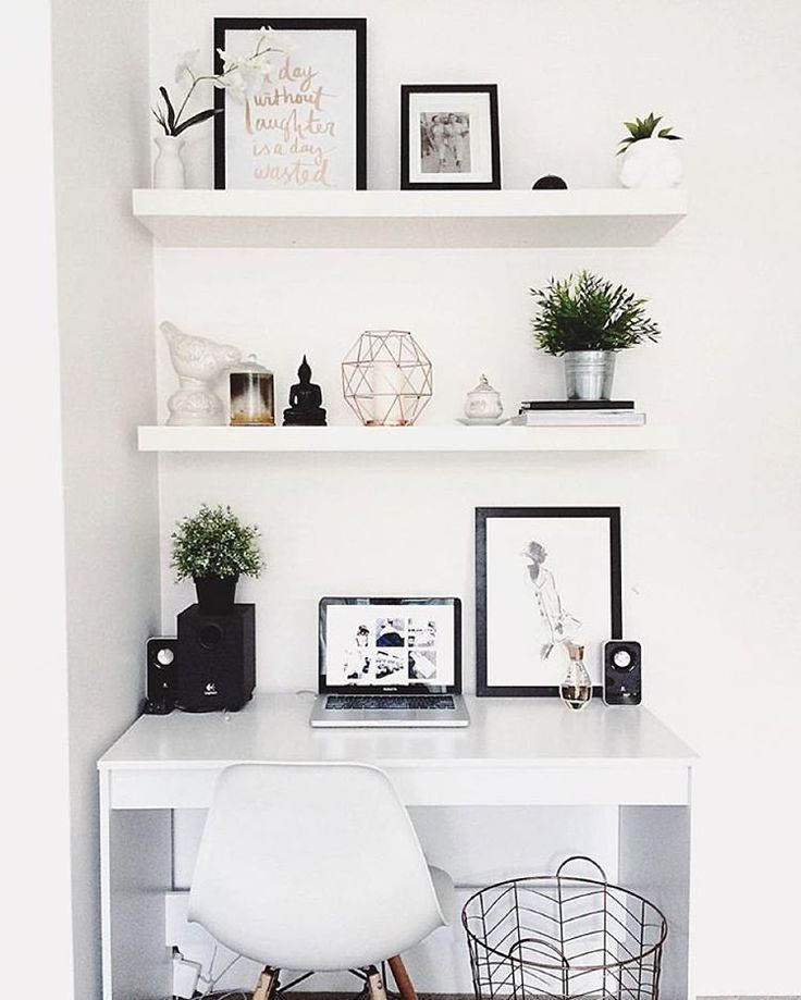 "Workspace Goals on Instagram: ""Starting our feed with this white workspace regram from Hayley <a href=""/taylor/"" title=""Sam Taylor"">@Sam Taylor</a>.dbeauty in Australia ☀️ We love the clean, monochrome + copper aesthetic ✨ So bright + light and proves that big things can happen in small spaces Hayley is a beauty vlogger sharing fresh + fun makeup how-to videos with a hidden talent for interior styling Thanks Hayley for sharing your workspace"