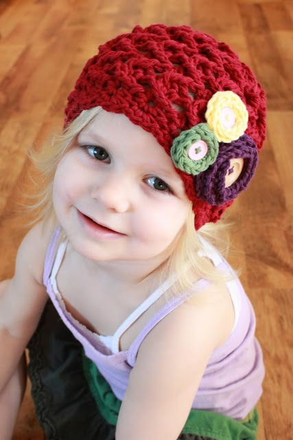 EASY: Elise Hat Crochet Pattern  Love the rounds with buttons addition, inspritation
