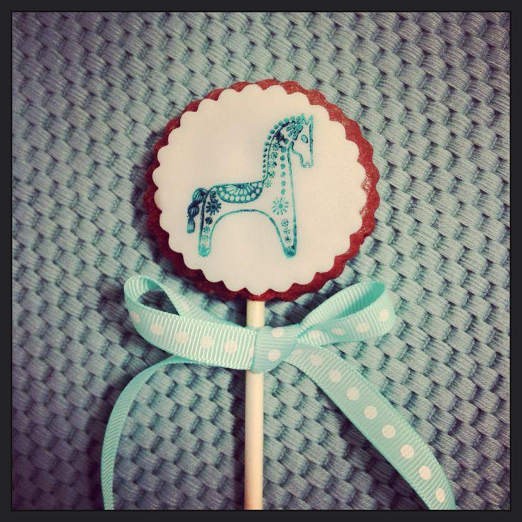 Cookie pop by Hana Rawlings cake design