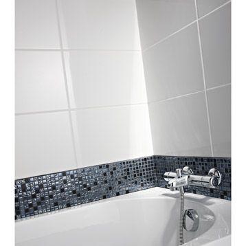 Carrelage mural en fa ence blanc 40x25 cm leroy merlin for Carrelage mural salle de bain point p