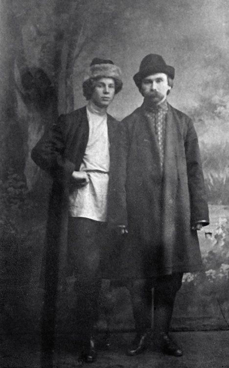 Russian poets Sergey Yesenin (L) and Nikolai Klyuev, February 1, 1916.