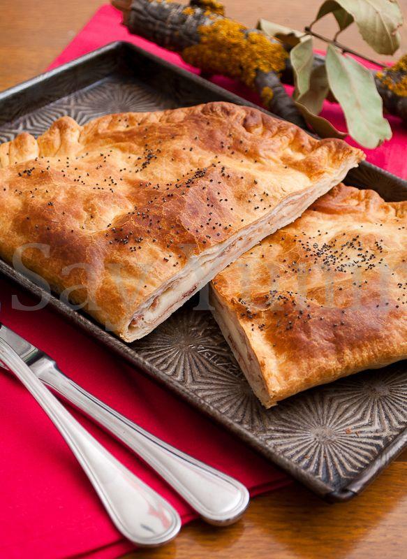 puff pastry calzone - calzone di pasta sfoglia