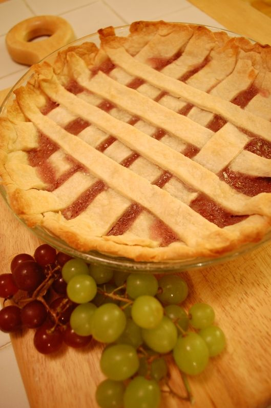 Grape pie recipe from 1931! Great blog full of vintage recipes!!