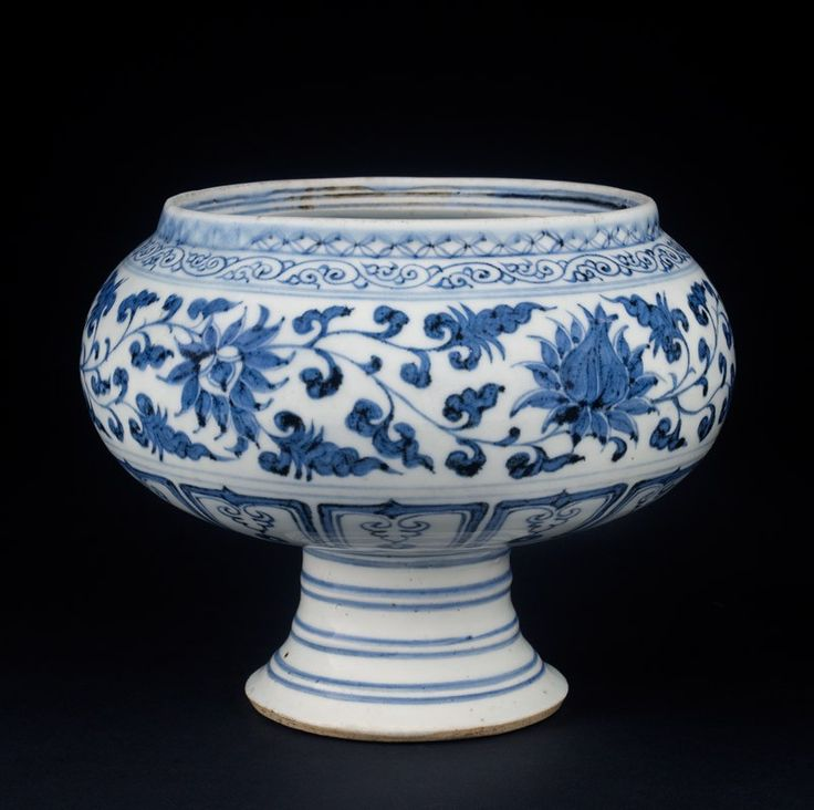 Blue-and-white stem bowl with lotus flowers and mandarin ducks (EAX.1386) Yuan dynasty 13th/14th century.