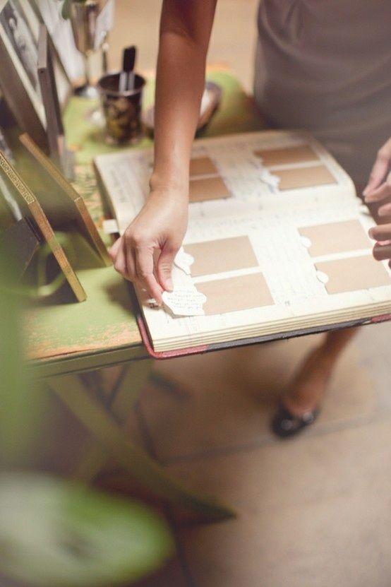Casamento | Livro de Convidados (inspirações pra fazer o seu): Livro de envelopes. Você pode mudar um pouquinho o livro, colocando envelopes dentro e organizando as mensagens de todo mundo.