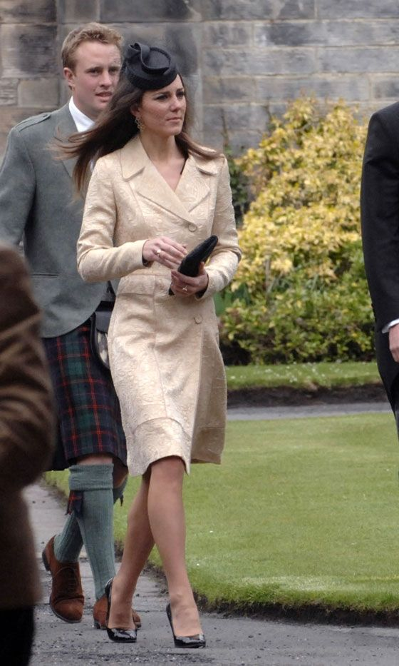 best kate middleton images duchess of kate middleton attended the wedding of her former housemate from st andrew s oli baker marry