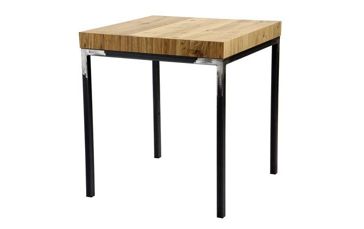 Table 100. Table made of black tubular metal base mm 30x30 with emery effect, and veneered oak wood square top. Tavolo 100. Tavolo in tubolare di metallo nero mm 30x30 effetto smerigliato. Piano in legno impiallacciato rovere.