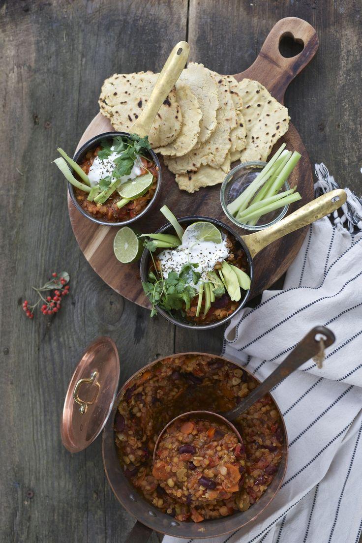 Wegetariańskie chili i domowe tortille