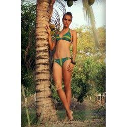 Bikini color estampado verde oliva, amarillo y negro. sujetador tipo halter con tiras de amarre en cuello y espalda. Braga básica ajustable.