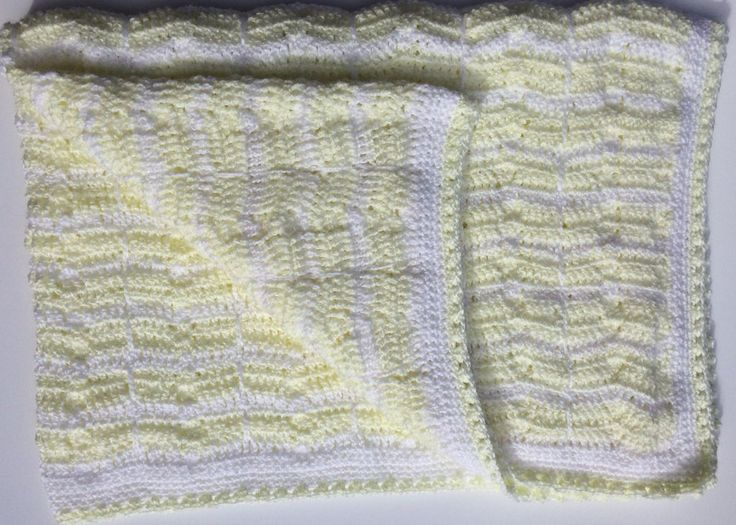 White & Lemon Vintage Style Cot Blanket for Baby