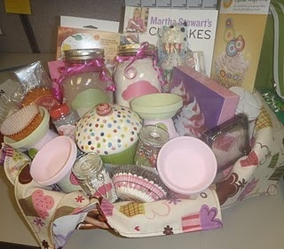 Cupcake gift basket - cute Christmas gift idea to go with JoLisa & Kaitlyn's aprons!