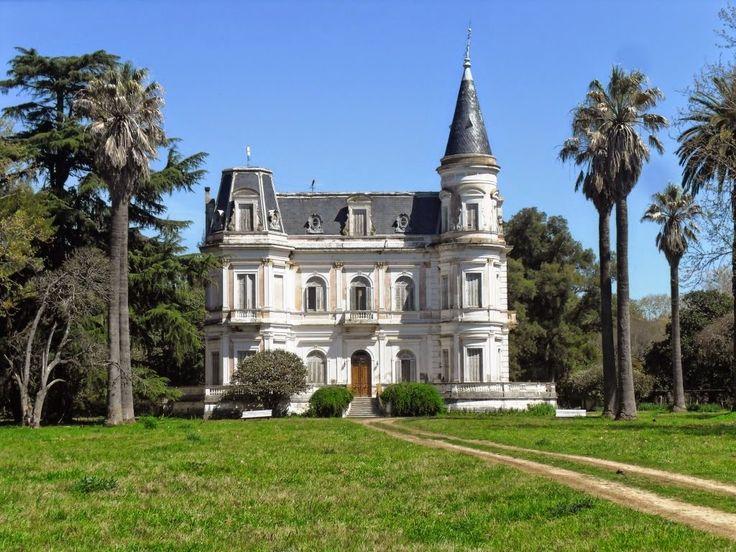 estancia Del Carril Castillo de Tiburcia Dominguez. Es propiedad privada en Lobos. No se admiten visitas